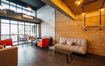 Jak urządzić mieszkanie w stylu industrialnym? – poradnik