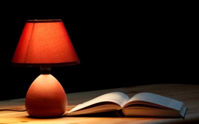 Lampy stołowe – ponadczasowy i praktyczny element wyposażenia wnętrz