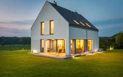 Oświetlenie zewnętrzne – stwórz strefę relaksu przed swoim domem